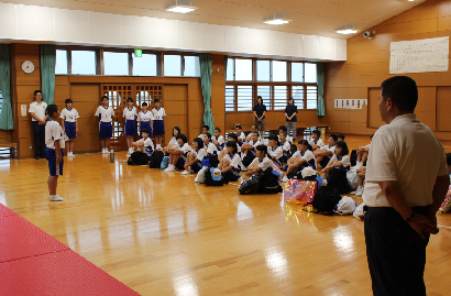 宿泊教室出発式